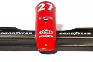 Asa frontal e traseira de Ferrari 642 de Alain Prost vendidas em leilão
