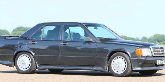 Mercedes-Benz 190E 2.3-16 utilizado por Ayrton Senna foi vendido em leilão