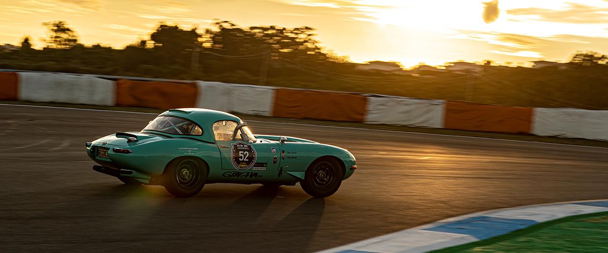 Regresso do Estoril Classics com 350 veículos de competição
