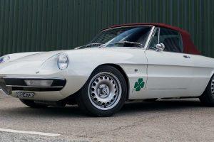 O mais rápido Alfa Romeo Spider de estrada do mundo vendido por mais de 88 mil euros