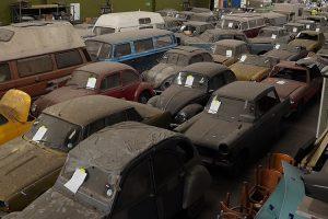 Colecção de 174 automóveis clássicos a apanhar pó em Londres vai a leilão