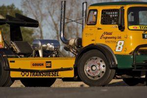O Bedford KM de Tony Brand, um monstro equipado com um motor diesel a dois tempos