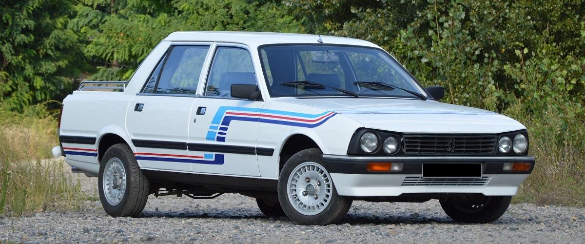 Uma das seis pickups Peugeot 505 transformadas pela Gruau foi vendida em leilão
